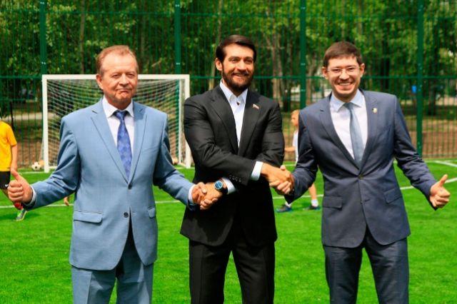 Вячеслав Новиков (слева), депутат Госдумы Александр Прокопьев (в центре), Артем Шамков