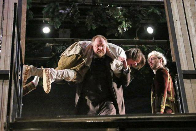 Настоящий актёр должен всегда быть честным со зрителем.  Спектакль «Опискин». Режиссёр В.Саркисов.
