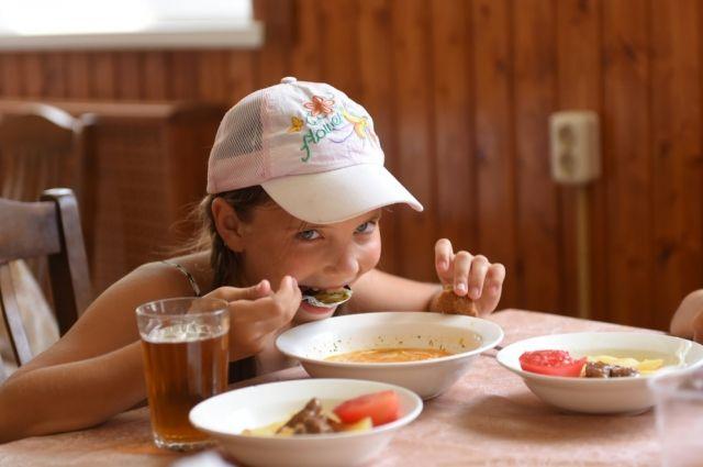 В Оренбурге в летних лагерях ужесточили требования к детям и взрослым.