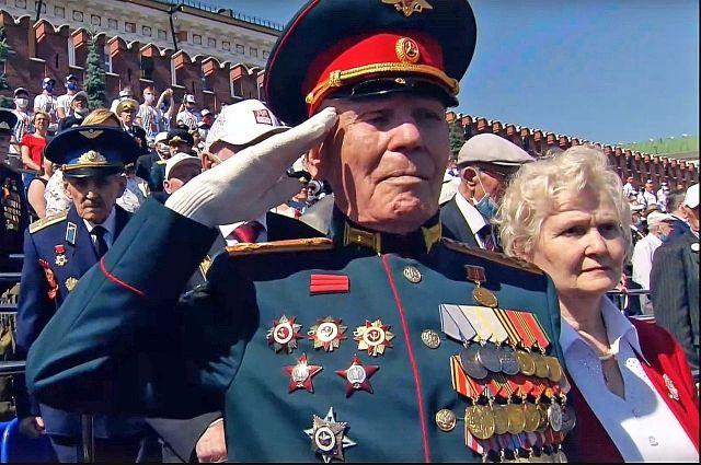 Иван Петрович Лыткин на Параде Победы в Москве 24 июня 2020 года