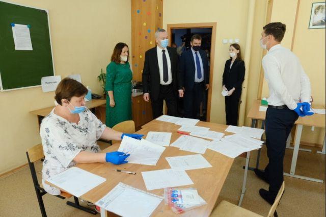 Сегодня в регионе проходят первые экзамены по литературе, географии и информатике.