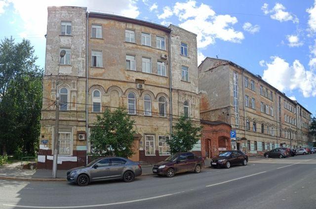 Основное здание «доходного дома» построено во второй половине ХIX века.
