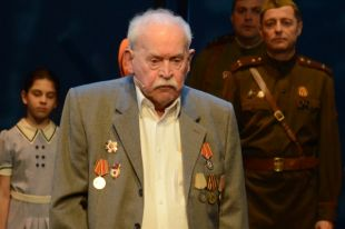 Умер старейший артист театра Российской армии Александр Петров
