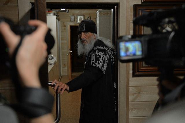 Схиигумен Сергий (Романов) в своей келье в Среднеуральском женском монастыре в Свердловской области