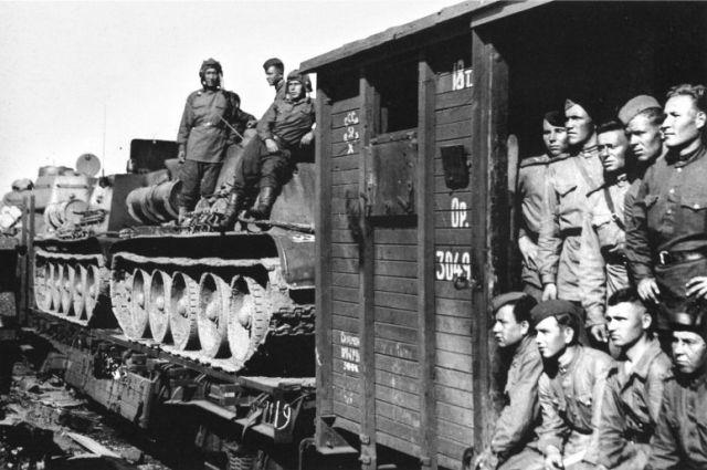 Солдатам Великой Отечественной войны пришлось пережить не только бои, ранения, смерть товарищей, но и семейные трагедии.