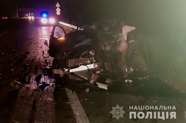 В Полтавской области произошло ДТП: водитель легковушки погиб на месте