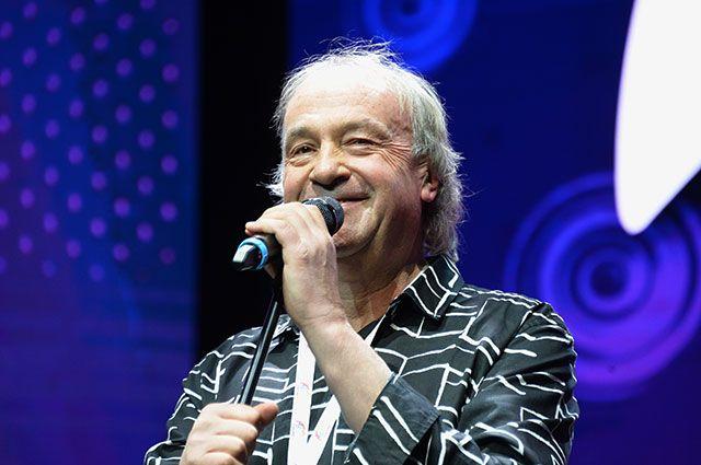 Юрий Давыдов.