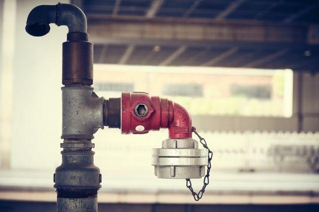 В Ижевске на улице 10 лет Октября начался ремонт водопровода