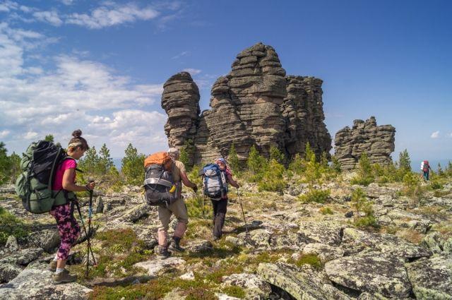 Заграничные маршруты пока запрещены, остаётся отдых в России и внутри региона.