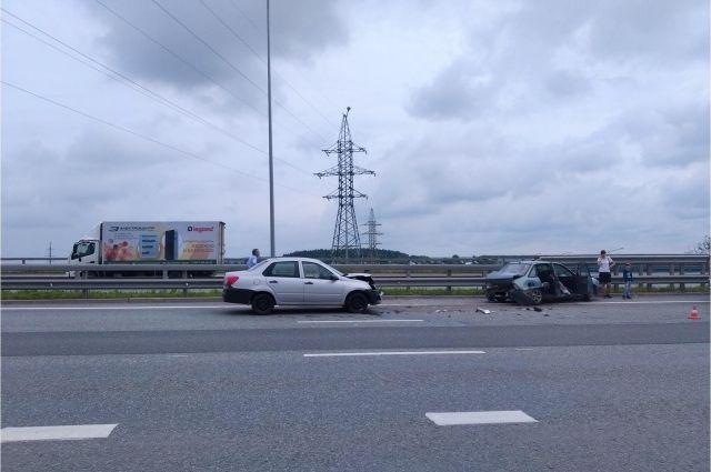 По предварительной информации, на 21-м километре водитель нарушил правила дорожного движения, превысив скорость.