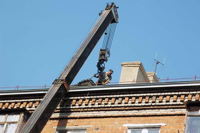 Сейчас ремонтируются около 40 зданий, принято в эксплуатацию более 30 объектов.