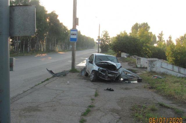 В ночном ДТП на Воткинском шоссе в Ижевске пострадали два человека