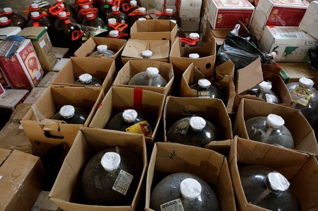 Сбыт товара производился в магазины Бийска и ближайших районов.