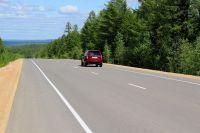 На аварийных участках тюменских дорог появились шумовые полосы