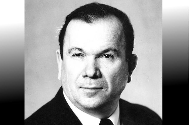 Виктор Анатольевич ушел на 85-м году жизни.