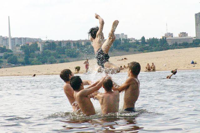 По пляжам и активному отдыху соскучились все.