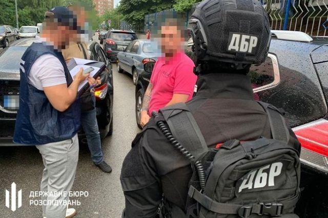 Следователь полиции требовал взятку за возвращение арестованного авто