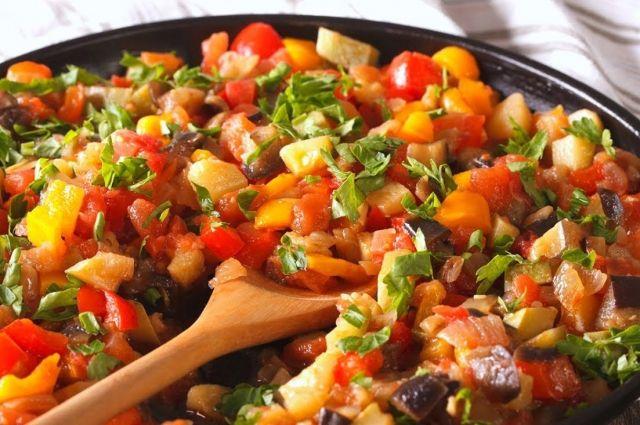 Готовим овощное рагу: топ-3 лучших рецепта для домохозяек