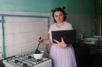 Многим на удалёнке удаётся совмещать работу с домашними делами