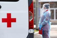 Карет скорой помощи достаточно, вот только медицинских бригад в условиях пандемии не хватает.