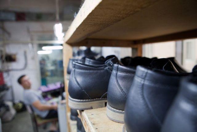 В Дагестане запрещена продажа немаркированной обуви и табачной продукции
