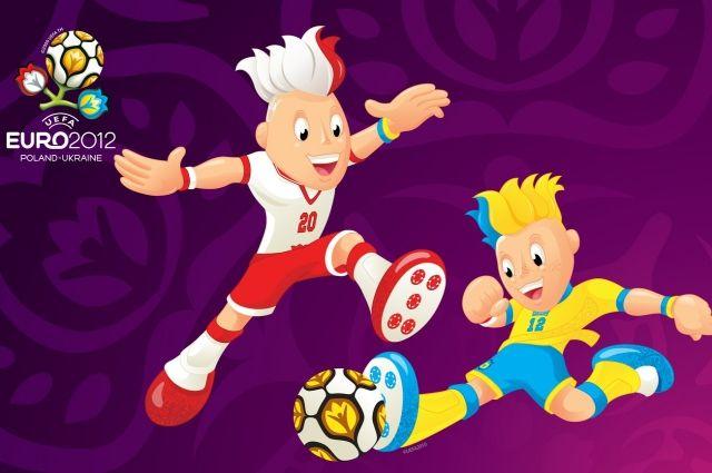Талисманы Евро-2012: польский Славек и украинский Славко.