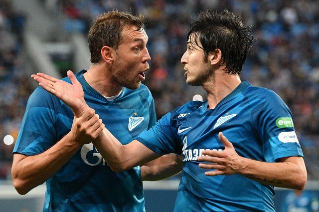 Игроки «Зенита» Артём Дзюба (слева) иСердар Азмун.