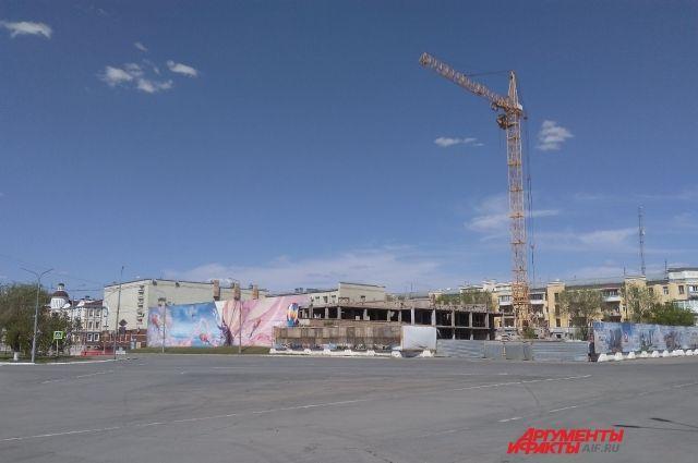 В Оренбурге полностью разобран недострой на ул. Советской.