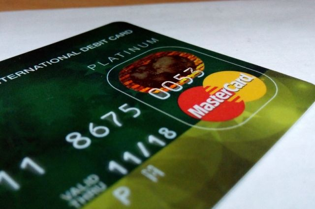 Полиция зафиксировала 8 фактов махинаций с банковскими артами.