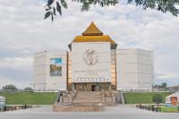 Предметы, найденные в курганах Долины царей, хранятся в Национальном музее в Кызыле.