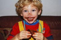 Шоколад прошел долгий путь от терпкого напитка до плитки в фольге, успев побывать даже денежной единицей.