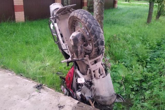 В Рыбинске в ДТП с мотоциклом погибли три человека