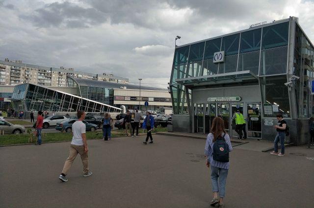 С понедельника метро Петербурга возвращается к прежнему расписанию