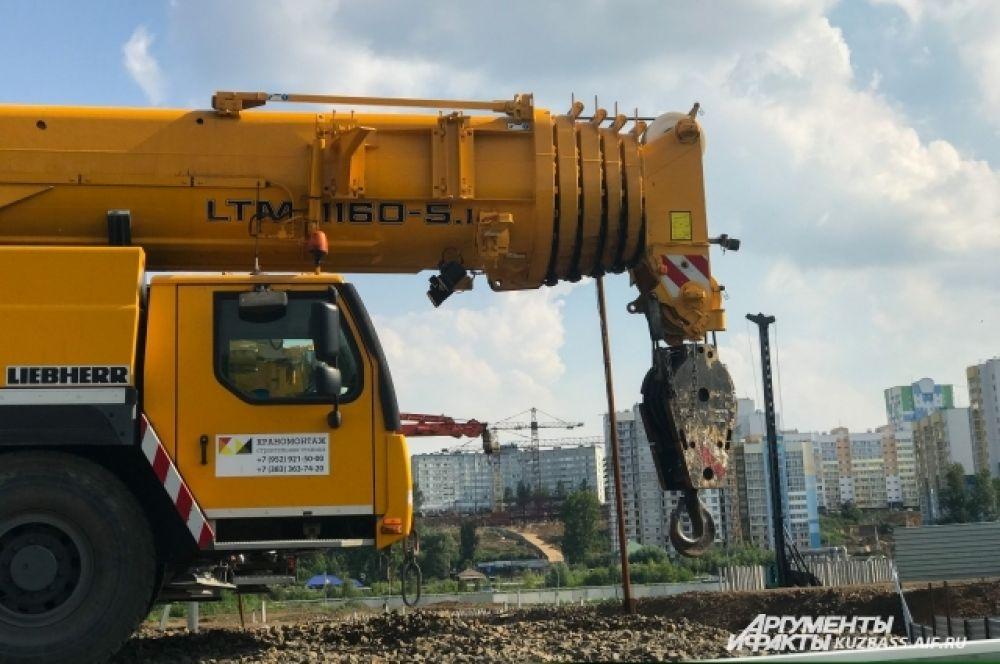 Сейчас строительство комплекса площадью 54 тыс. кв. м. приостановлено - Сергей Цивилев решил перенаправить деньги на другие нужды.