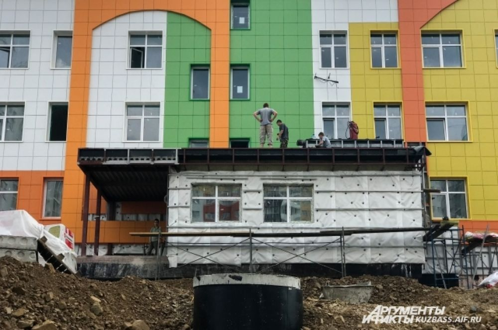 На строительство детского сада было выделено 83 млн рублей, из них 17 млн из областного бюджета.