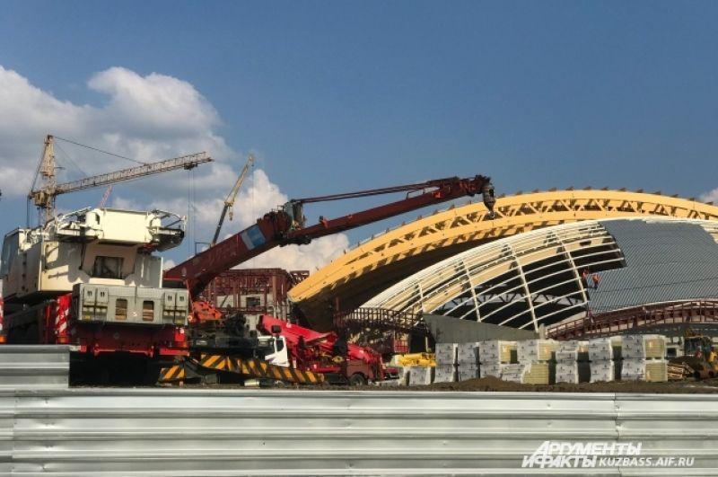 Спортивный комплекс «Кузбасс-арена» на Притомском проспекте на 6 тысяч зрителей начал строить «СДС-Строй» в прошлом году.