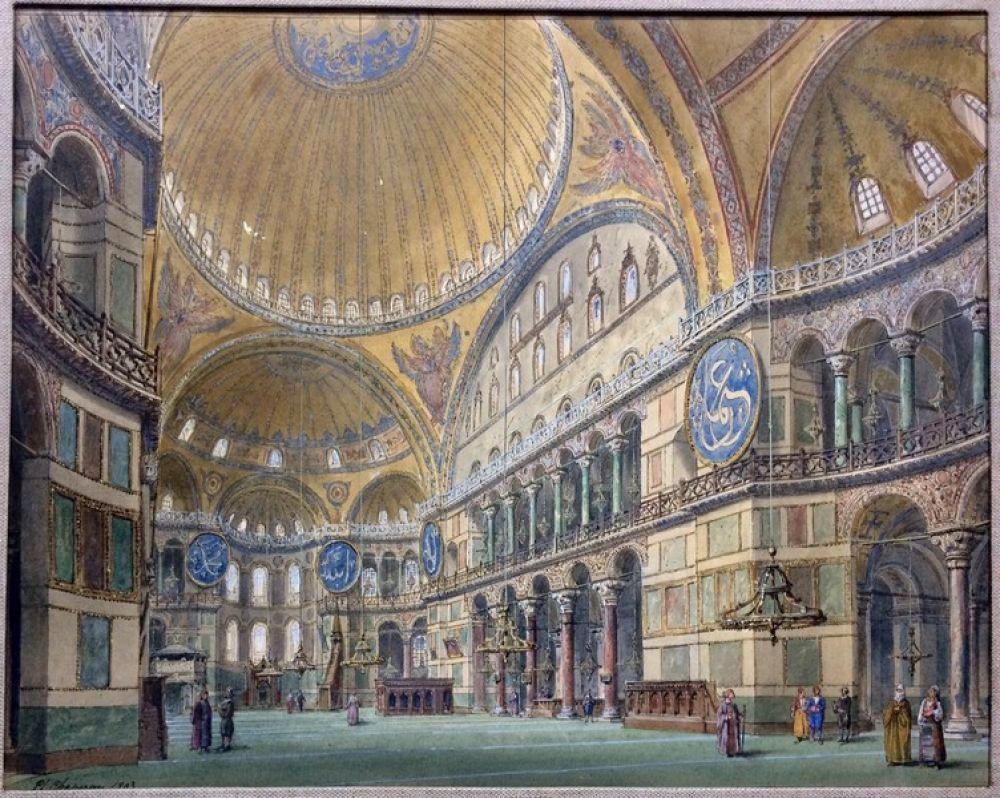 В 1935 году, согласно декрету правительства Турции, подписанному Кемалем Ататюрком, Айя-София стала музеем. Такое решение понравилось далеко не всем мусульманам, однако оно стало своеобразным компромиссом с христианским миром.