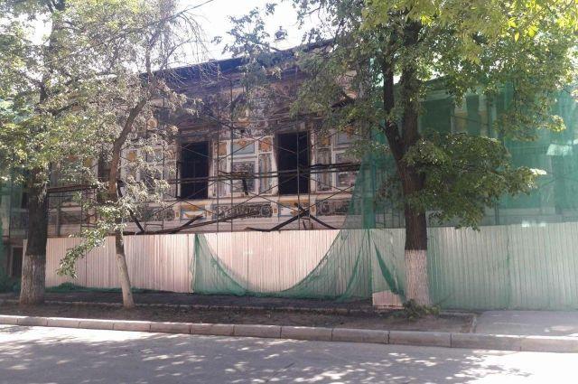 В Нижнем Новгороде недавно сильно пострадал при пожаре литературный музей Горького