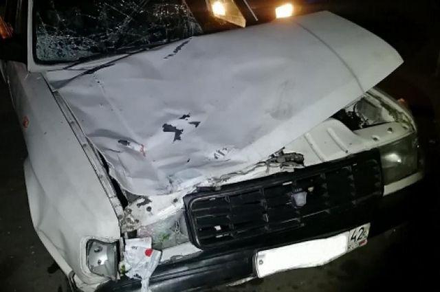 В результате аварии скончались 58-летний мужчина и 41-летняя женщина.