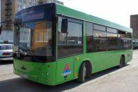 В Тюмени кондукторам разрешили высаживать из автобусов детей без масок