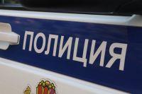 За сутки полицейские задержали сразу троих подозреваемых в преступлениях.