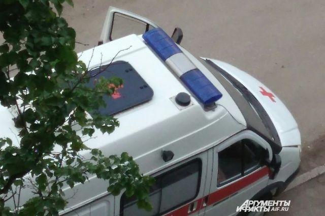 Женщина получила травмы, её отвезли в больницу.