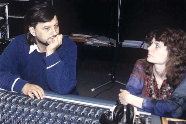 Композитор Алексей Рыбников с дочерью Анной во время репетиции. 1995 г.