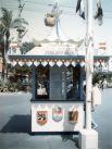 Касса парка Fantasyland, 1960-е.