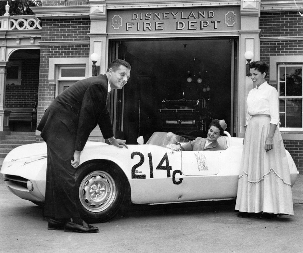 Спортивный автомобиль Abarth в «Диснейленде», 1956 год.