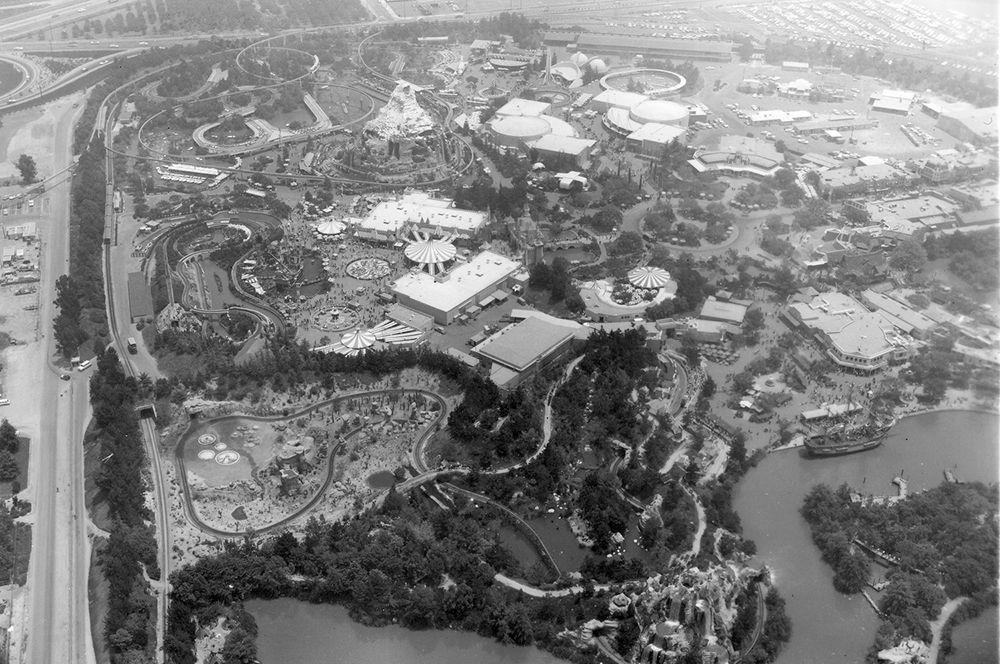 Вид на «Диснейленд», 1957 год.