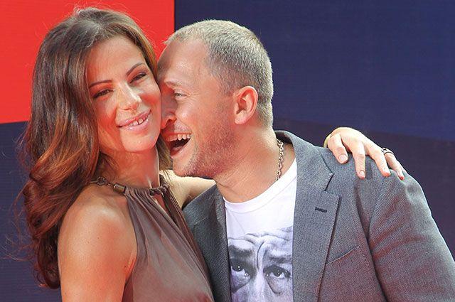 Актер Оскар Кучера с супругой Юлией.
