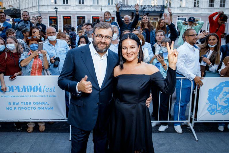Генеральный продюсер фестиваля, режиссер Оксана Михеева и Михаил Пореченков - Президент фестиваля.