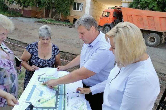 В Оренбурге четыре двора обновят до начала учебного года.