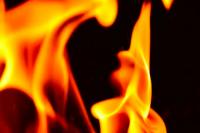 В Оренбурге вновь сгорела мусорка.